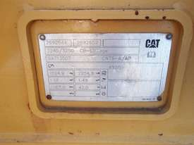 CATERPILLAR 1000MM Bucket-GP Attachments - picture1' - Click to enlarge