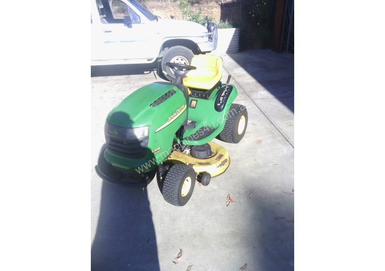 John Deere L108 Standard Ride On Lawn Equipment