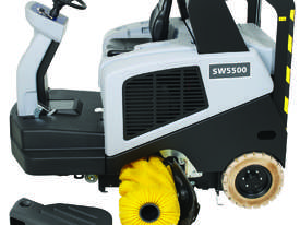Nilfisk Ride On Sweeper Diesel Model SW5500 - picture3' - Click to enlarge