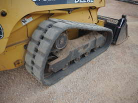 Skid Steer - John Deere CT 322 - picture9' - Click to enlarge