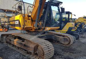 JCB JS240LC 26T EXCAVATOR 2010 WITH 4995 HOURS