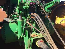 John Deere 8370RT Tracked Tractor - picture3' - Click to enlarge