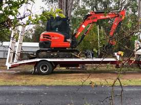 Kubota 2016 excavator with 800 hours,air cabin, steel  tracks rubber pads, buckets and grab - picture1' - Click to enlarge