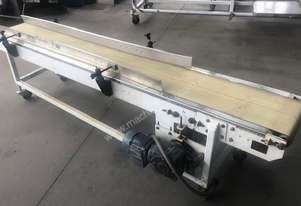 CONTECH ENGINEERING Flat belt conveyor