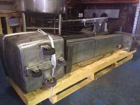Mincer  150mm ID (s/s contacts) with Bin Lifter - picture3' - Click to enlarge