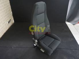 NEW DRIVER & PASSENGER AIR-OP AND MECHANICAL SEATS - picture3' - Click to enlarge