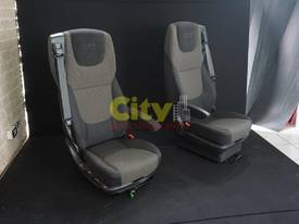 NEW DRIVER & PASSENGER AIR-OP AND MECHANICAL SEATS - picture5' - Click to enlarge