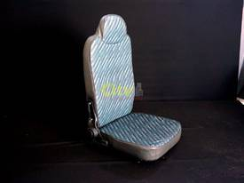 NEW DRIVER & PASSENGER AIR-OP AND MECHANICAL SEATS - picture10' - Click to enlarge