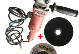 Milwaukee 125mm Angle Grinder with 125mm Flexovit Grinding Disc