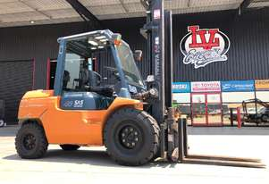 Rare 4.0 Tonne Toyota Diesel Forklift! Complete with Pneumatic Tyres & Rotator