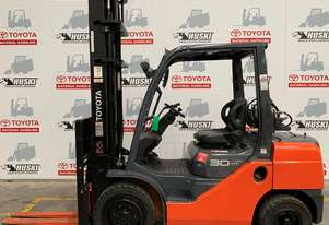 Toyota Forklift 8FG30 in good condition.