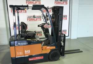 TOYOTA 7 FBE18 62109 3 WHEEL COUNTER BALANCED FORKLIFT CONTAINER MAST