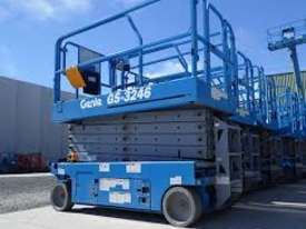32ft Electric Scissor lift Genie New - picture3' - Click to enlarge
