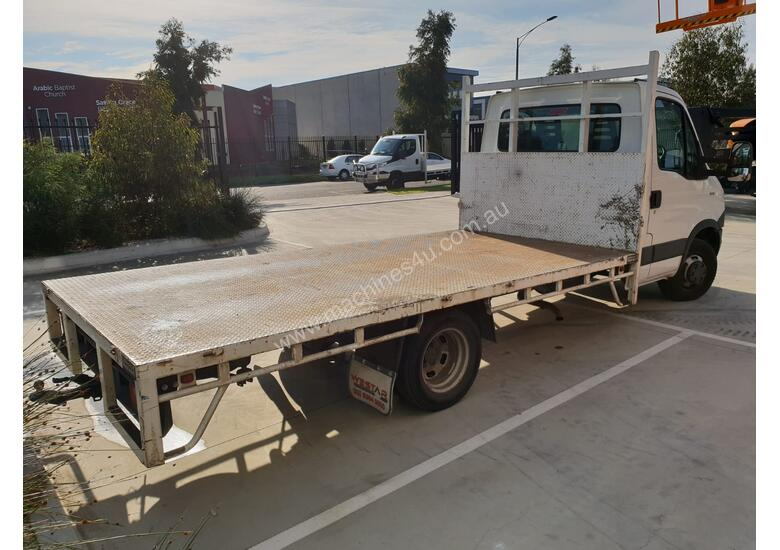 2014 Iveco 45C17 Daily Light Truck with Steel Tray