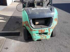 2.5t Mitsubishi Forklift - picture0' - Click to enlarge