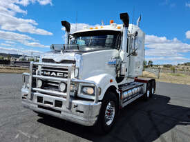Mack TRIDENT Primemover Truck - picture0' - Click to enlarge