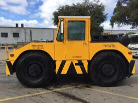 Douglas Tugmaster DC 10/4 Tow Tug - picture0' - Click to enlarge