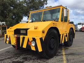 Douglas Tugmaster DC 10/4 Tow Tug - picture2' - Click to enlarge