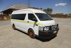 Toyota 2014 Commuter 14 Seater Bus