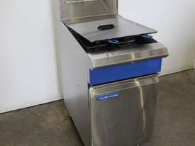 Blue Seal GT46 Twin Pan Fryer - picture0' - Click to enlarge