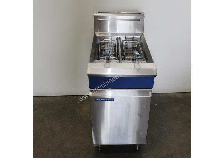 Blue Seal GT46 Twin Pan Fryer