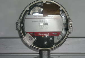 Honeywell C437 Pressure Switch.