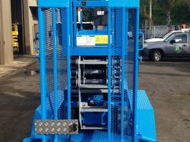 Genie GS2032 Electric Scissor Lift and Trailer - picture4' - Click to enlarge