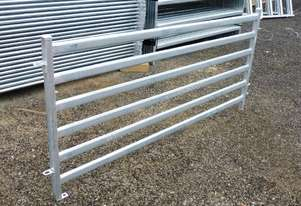 Heavy Duty gates and panels for Sheep / Goat / Pig Yard / Pens