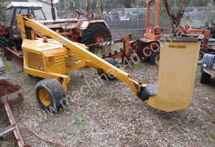 squirrel-505 diesel orchard picker , ex council WA