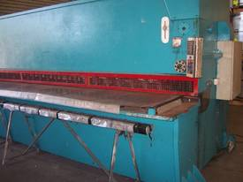 Imperial - Hydraulic Guillotine - 6m x 6m - picture1' - Click to enlarge