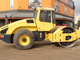 BOMAG BW219D-4 VIBRATING SMOOTH ROLLER - picture0' - Click to enlarge