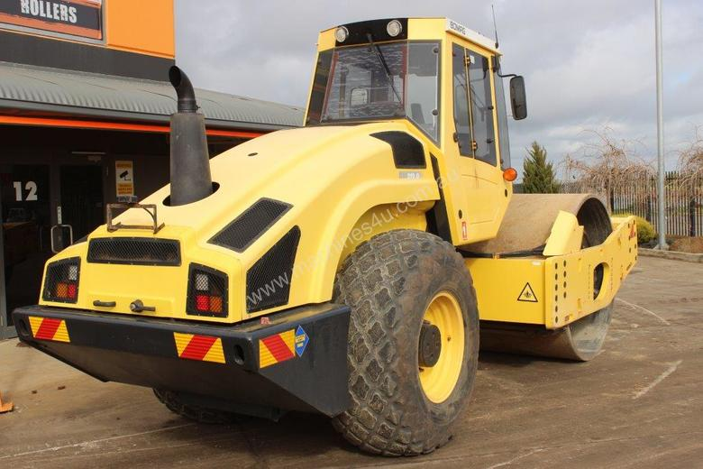BOMAG BW219D-4 VIBRATING SMOOTH ROLLER