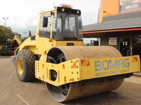 BOMAG BW219D-4 VIBRATING SMOOTH ROLLER - picture1' - Click to enlarge
