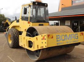 BOMAG BW219D-4 VIBRATING SMOOTH ROLLER - picture2' - Click to enlarge