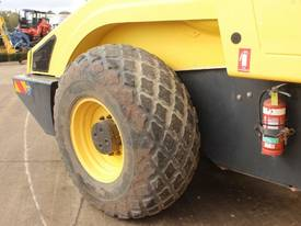 BOMAG BW219D-4 VIBRATING SMOOTH ROLLER - picture4' - Click to enlarge