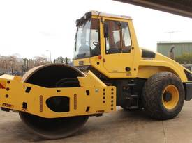BOMAG BW219D-4 VIBRATING SMOOTH ROLLER - picture8' - Click to enlarge