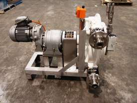 Peristaltic Pump - In/Out: 40mm. - picture1' - Click to enlarge