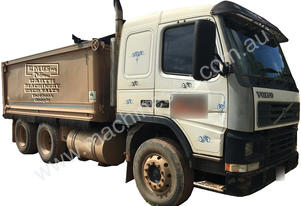 2002 Volvo FM12 Tipper(with water tank)