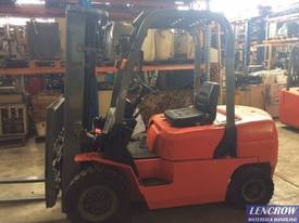 Used 2.5T EP Forklift - picture2' - Click to enlarge