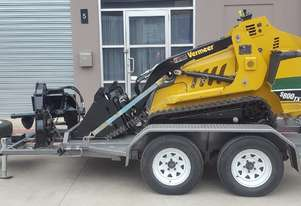 Vermeer S800TX, Very Low Hours, 4-Way Bucket, Digga Bigfoot Trencher, Custom Tilt Trailer
