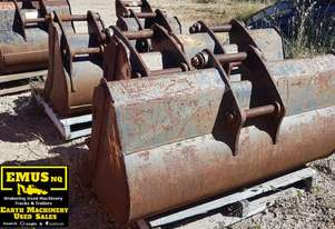 Cat Buckets, 300mm to 1500mm from $600. EMUS NQ