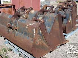 Cat Buckets, 300mm to 1500mm from $600. EMUS NQ - picture0' - Click to enlarge