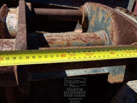 Cat Buckets, 300mm to 1500mm from $600. EMUS NQ - picture6' - Click to enlarge