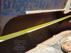 Cat Buckets, 300mm to 1500mm from $600. EMUS NQ - picture13' - Click to enlarge