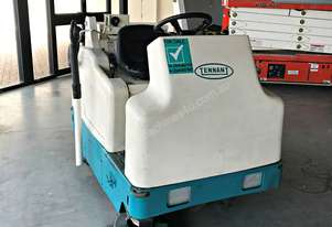 Used Tennant 6200 Ride On Sweeper with hand vacuum