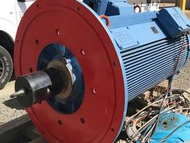 185 kw 250 hp 10 pole 415 v AC Electric Motor - picture0' - Click to enlarge