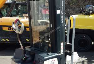 CROWN WALKIE STACKER 3810MM LIFT 1361 KG CAPACITY 48V ONLY DONE 64 HRS NEAR NEW