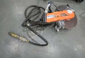 HUSQVARNA K40 PNEUMATIC CUT OFF SAW...