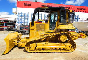 Caterpillar D5N LGP Bulldozer with Canopy Sweeps DOZCATM