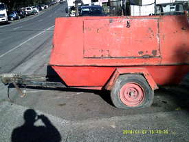 175cfm , isuzu powered , trailer mounted , 6900hr - picture3' - Click to enlarge